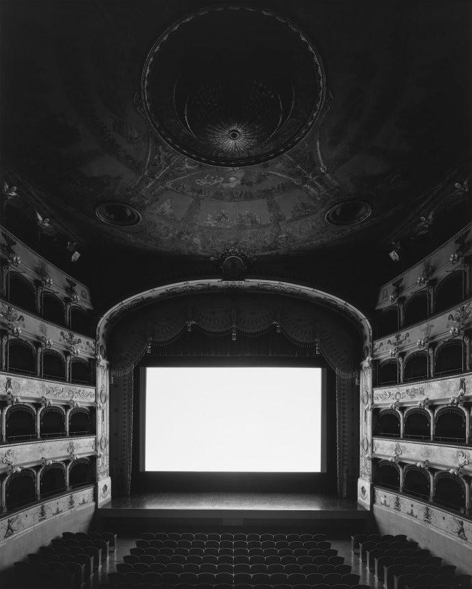05 - Teatro Comunale di Ferrara, Ferrara, 2015.jpg
