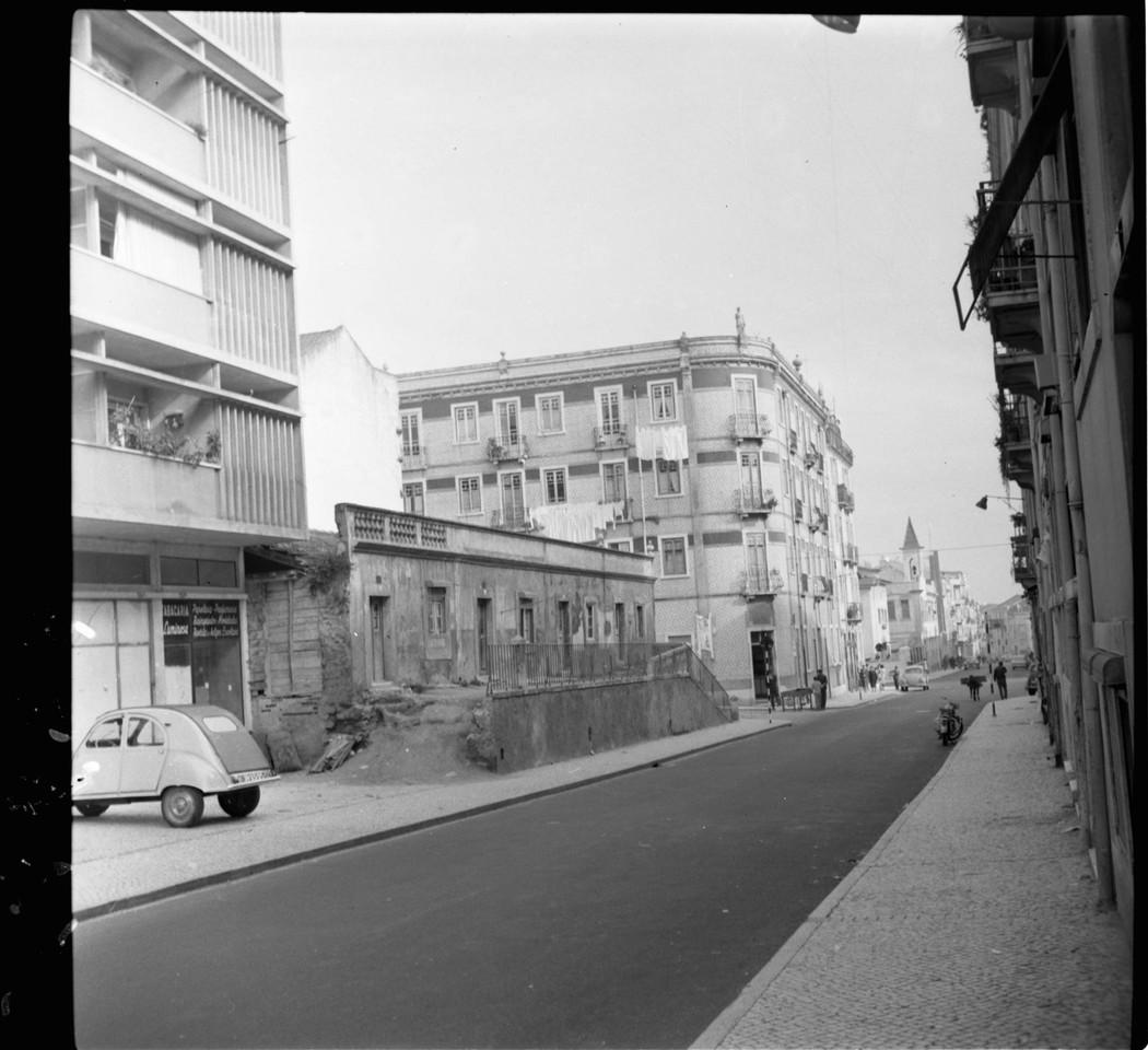 Rua Barão de Sabrosa, Alto do Pina (A.J.Fernandes, 1964)