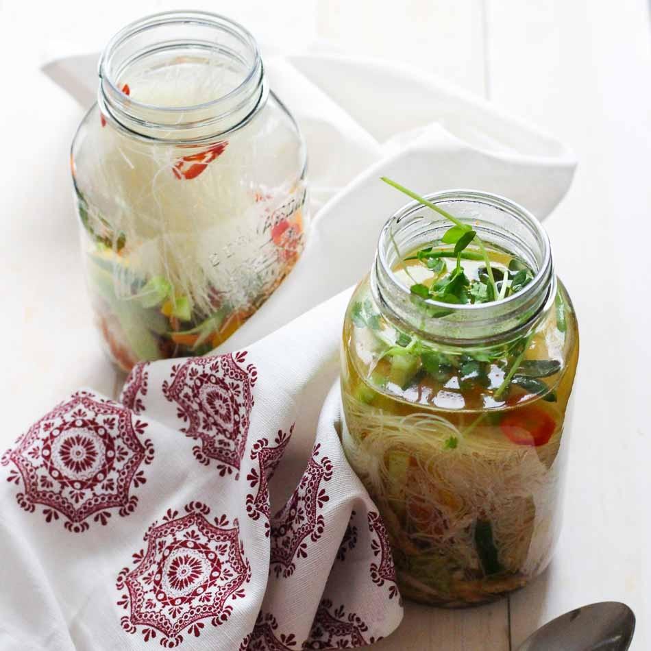 Crop-Mason-Jar-Instant-Noodles6-1-of-1.jpg