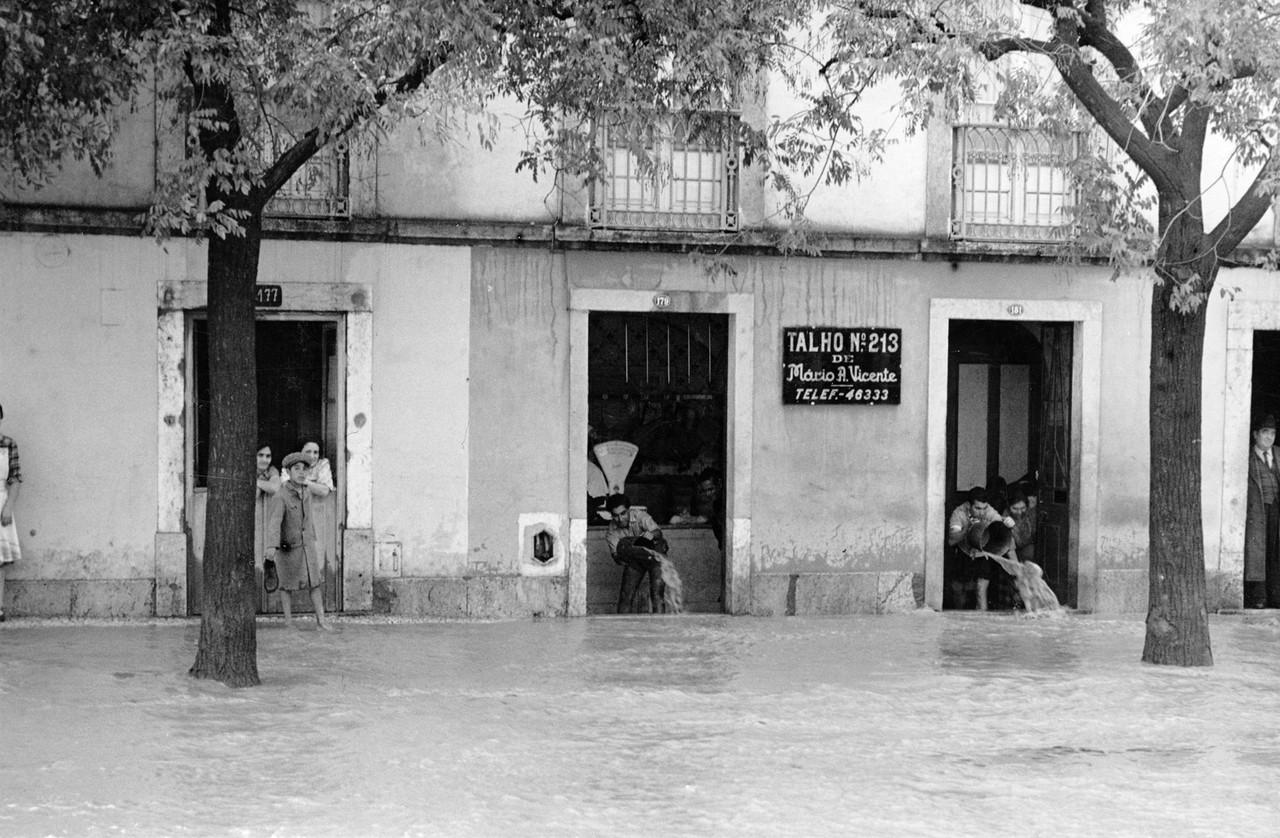 Inundações, Estrada de Benfica.jpg