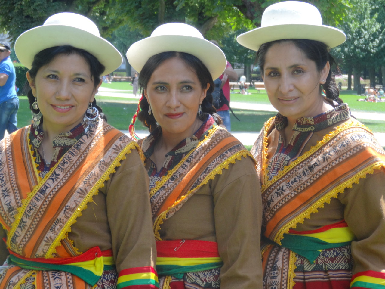 folk bolivia mulheres 3+3 bom.JPG