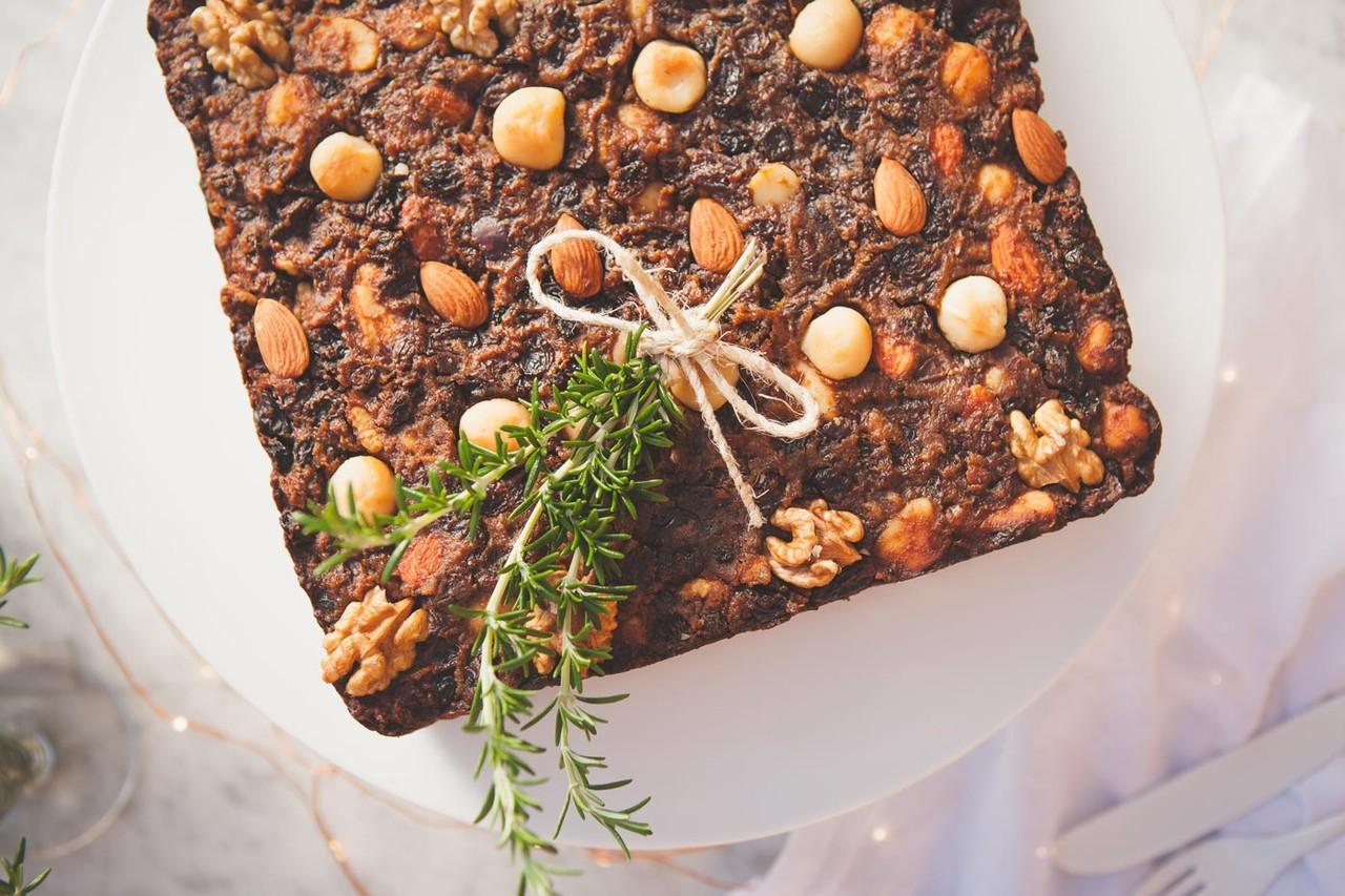 Healthy-Gluten-Free-Christmas-Fruit-Cake-Vegan-2-1