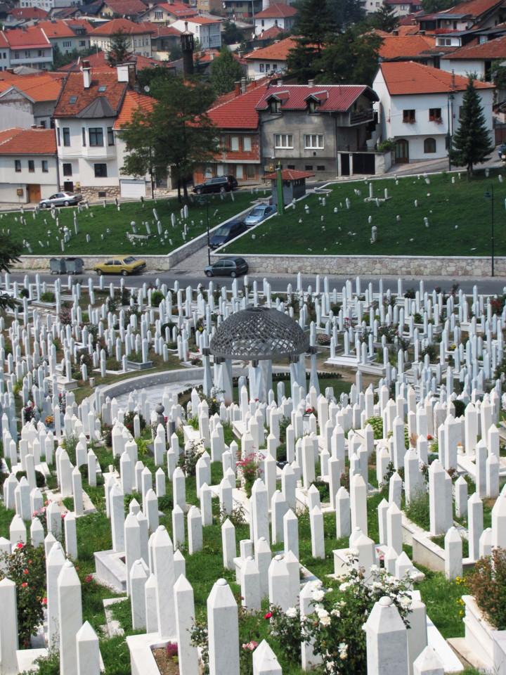 Islamic_cemetery_in_Sarajevo.jpg