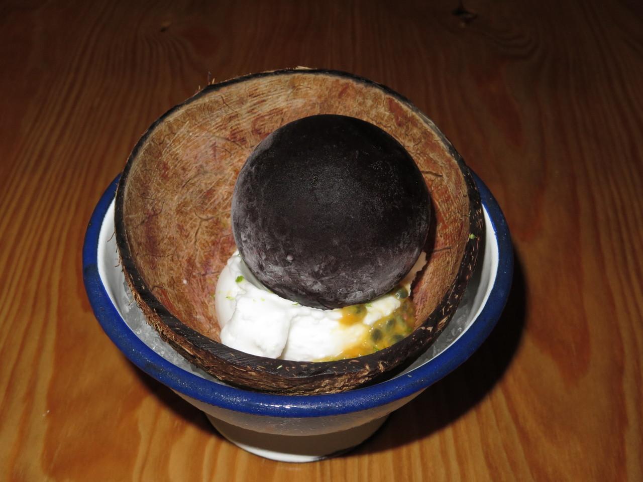 'Maracujá' com sorvete de coco