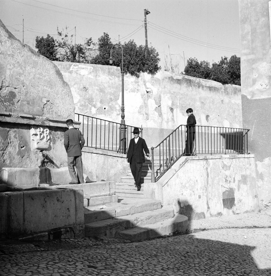 Chafariz da Fonte Santa,1945, foto de Fernando Mar