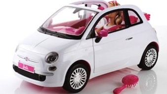 015200BE03874424-c1-photo-fiat-500-barbie.jpg