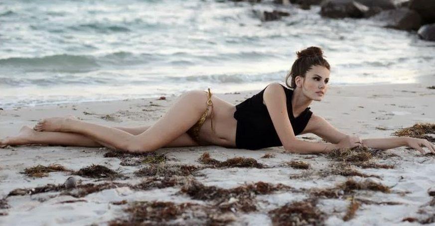 Camila Queiroz 2.jpg