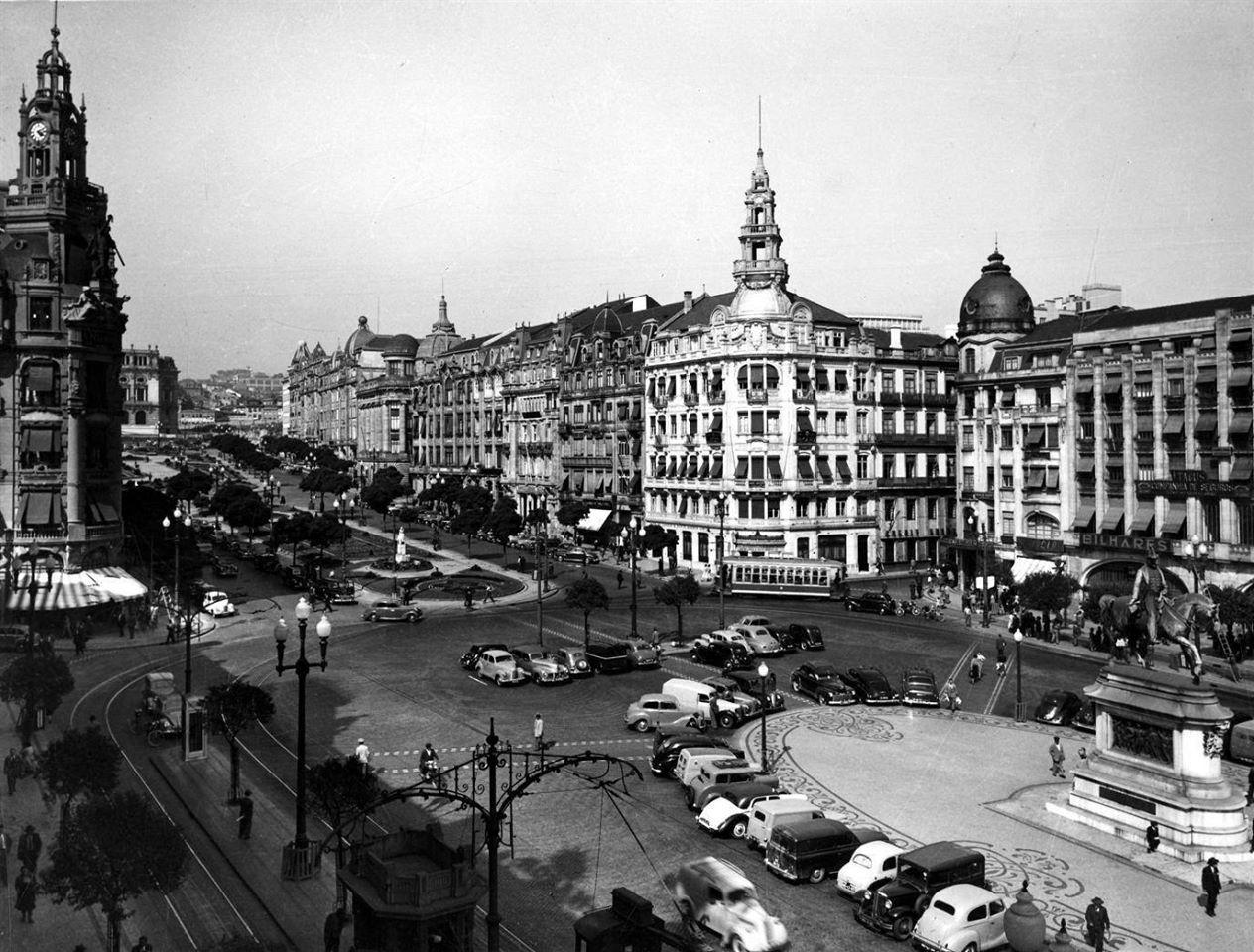 PRAÇA DA LIBERDADE E AVENIDA DOS ALIADOS - 1960