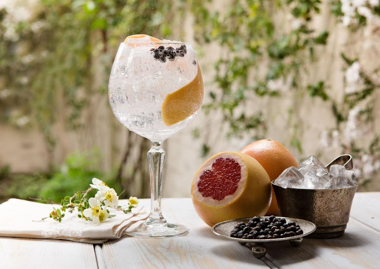 the-portobello-road-gin-summer-copa.jpg