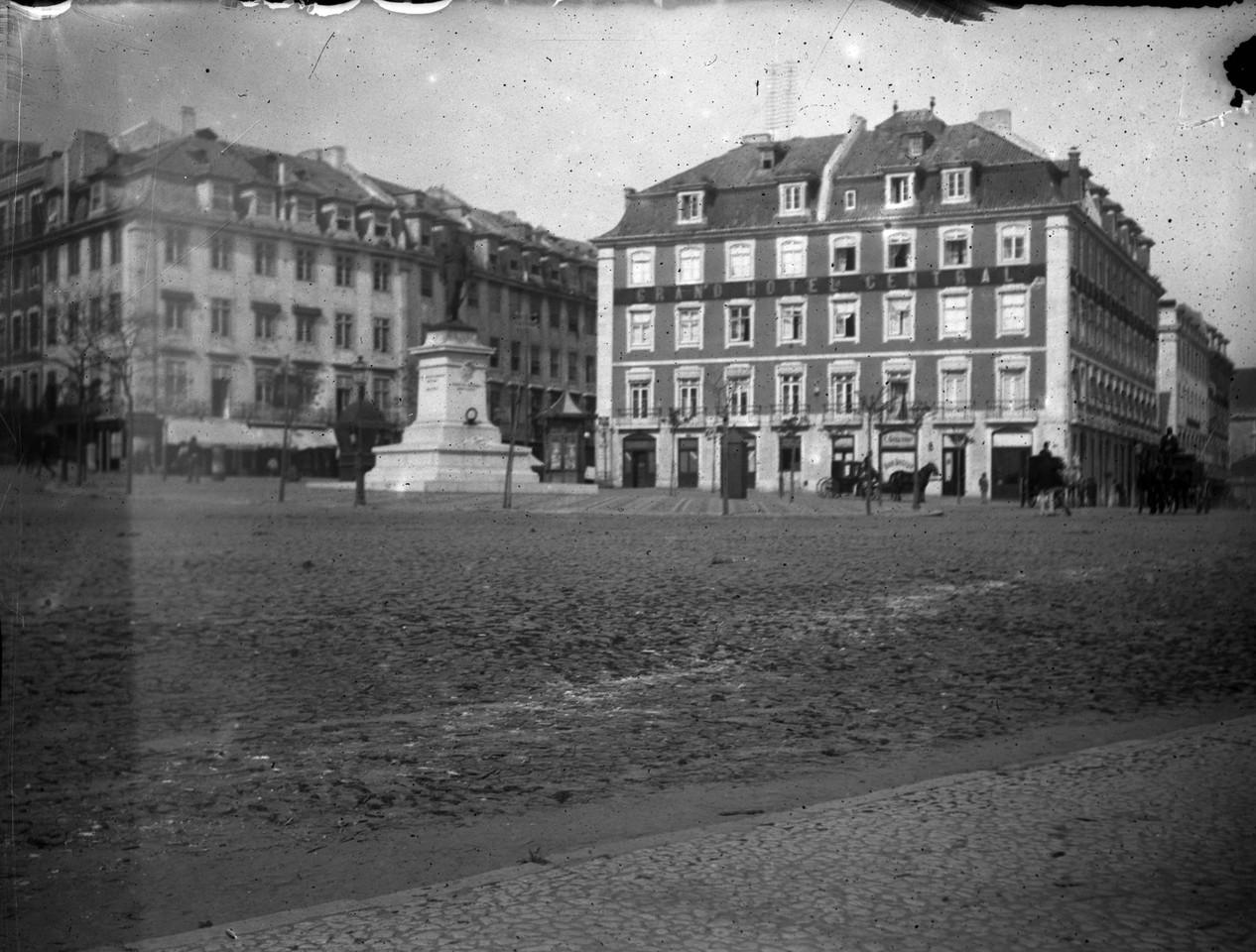 A estátua do Duque da Terceira e o Grande Hotel C