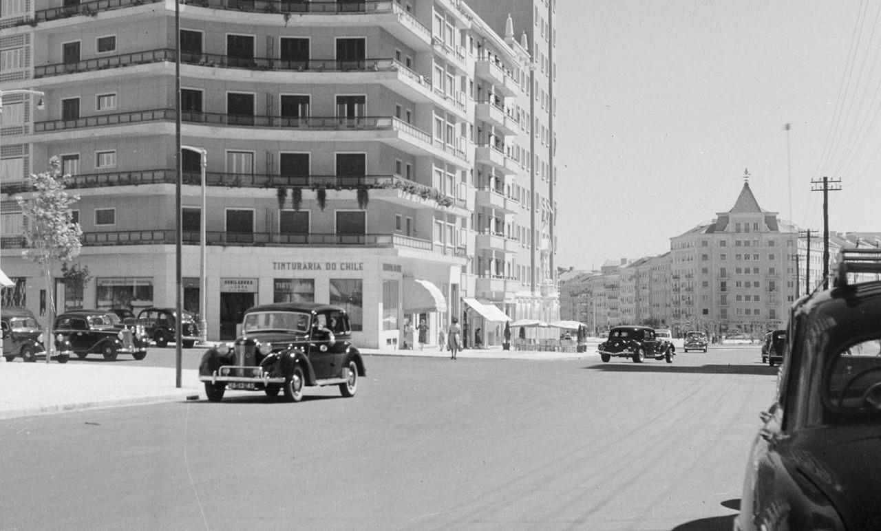 Avenida de Roma, Lisboa (C. Madeira, 195...)