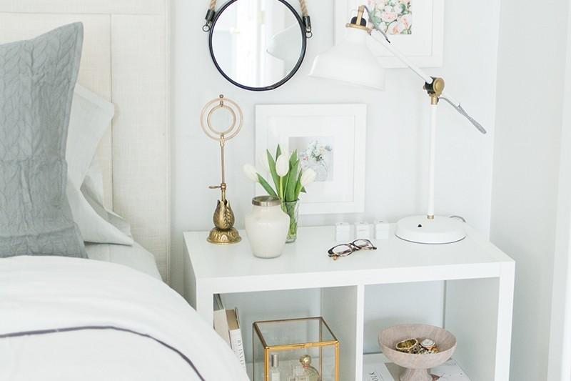 everygirl-ikea-expedit-shelf-nightstand-styling-9.