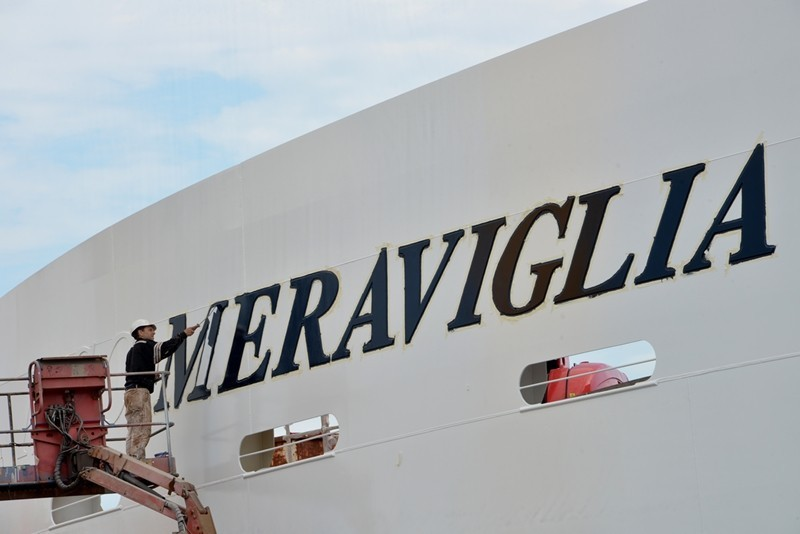 MSC Meraviglia - The iconic ship name gets painted