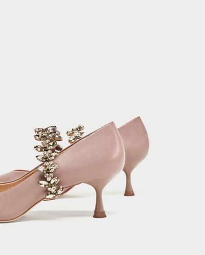 Sapato tacão medio pele pulseira joia_2.jpg