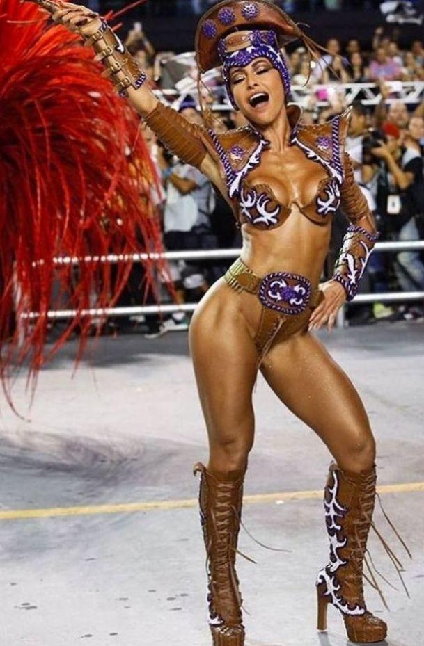 Sabrina Sato (Carnavall S.Paulo 2017).jpg