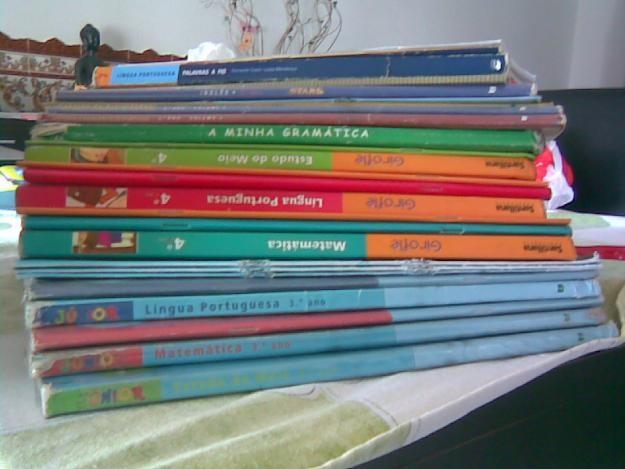 manuais escolares.jpg