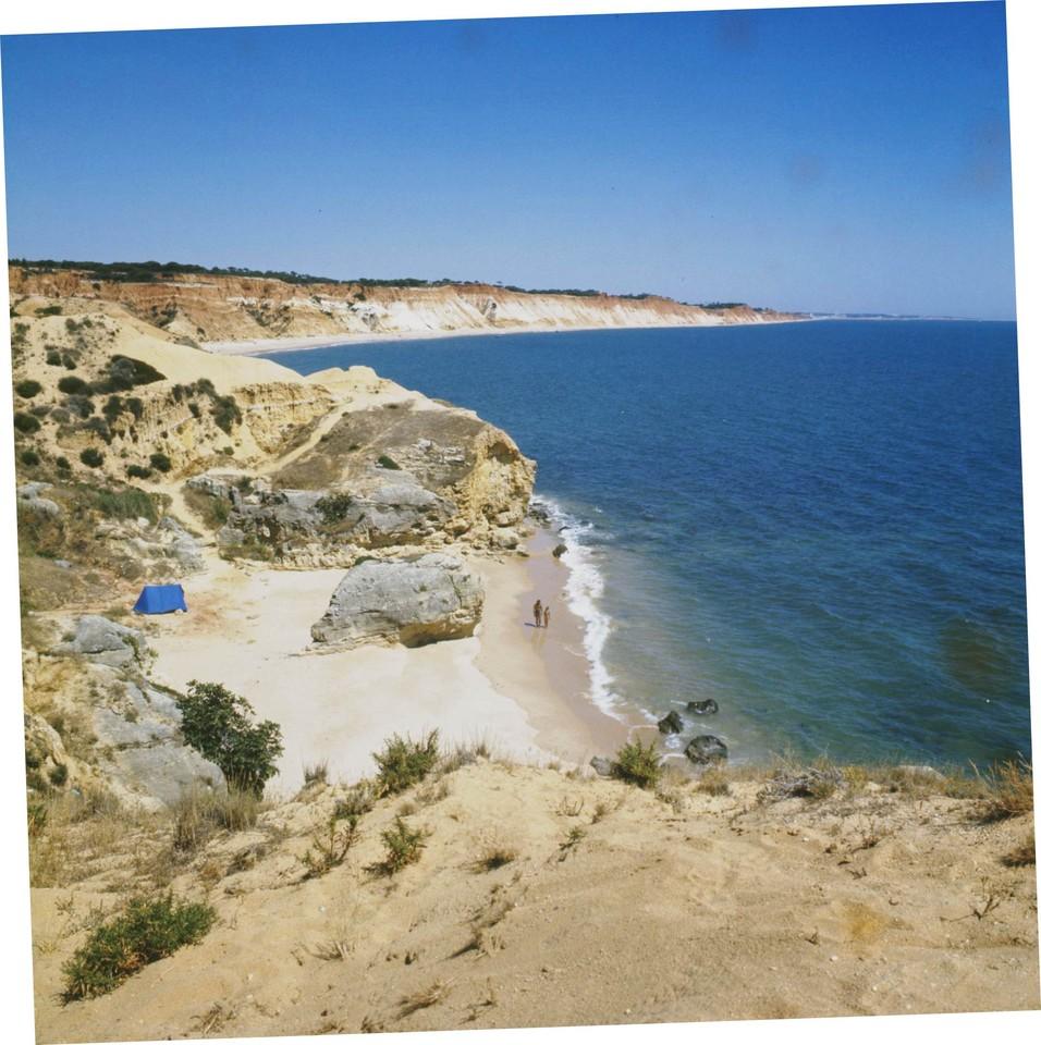 Praia da Falésia tomada dos Olhos de Água, Algarve (A. Pastor, 198...)