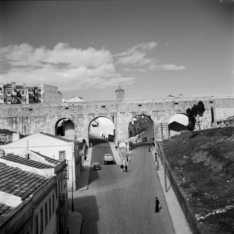 Arco do Carvalhão, 1947, foto de Fernando Martine