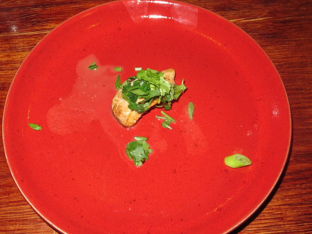"""""""Fígado de tamboril, salada de ervas (ou foie do mar, para quem for chique)"""" – Miguel Pires"""