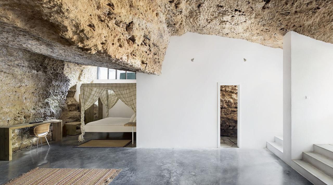 Cave12.jpg