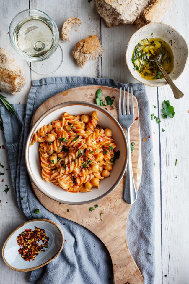 2019_02_19_quick_and_delicious_pasta_and_chickpeas