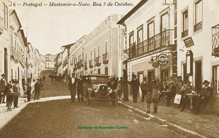 Pela direita, Montemor-o-Novo (R. Cinco de Outubro)