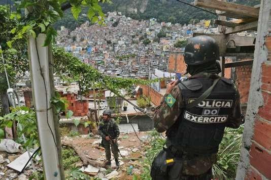 exército ocupa favelas.jpg