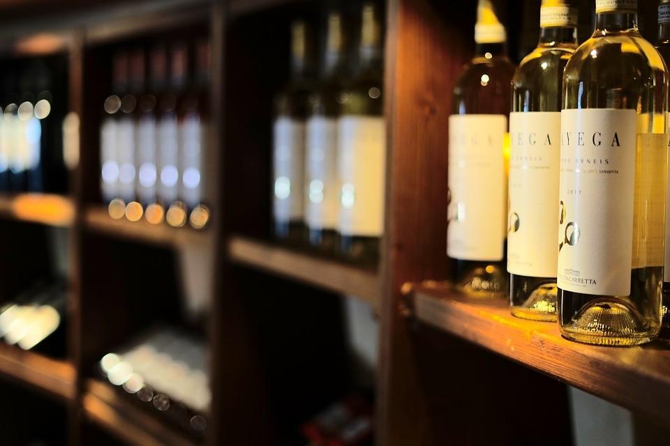 wine-rack-3698774_960_720.jpg