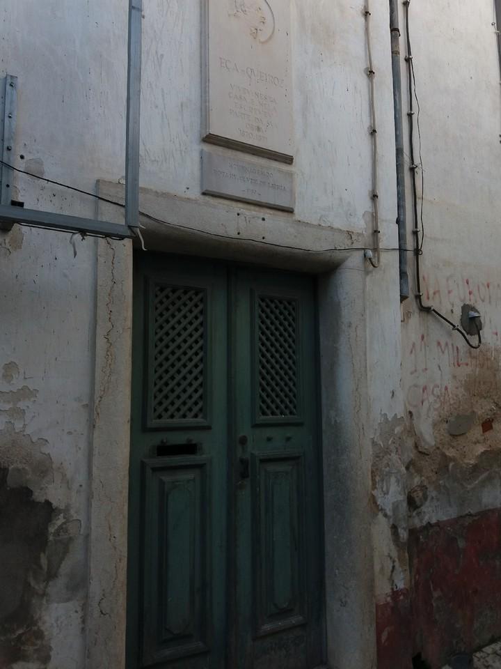 porta da casa de eça.jpg