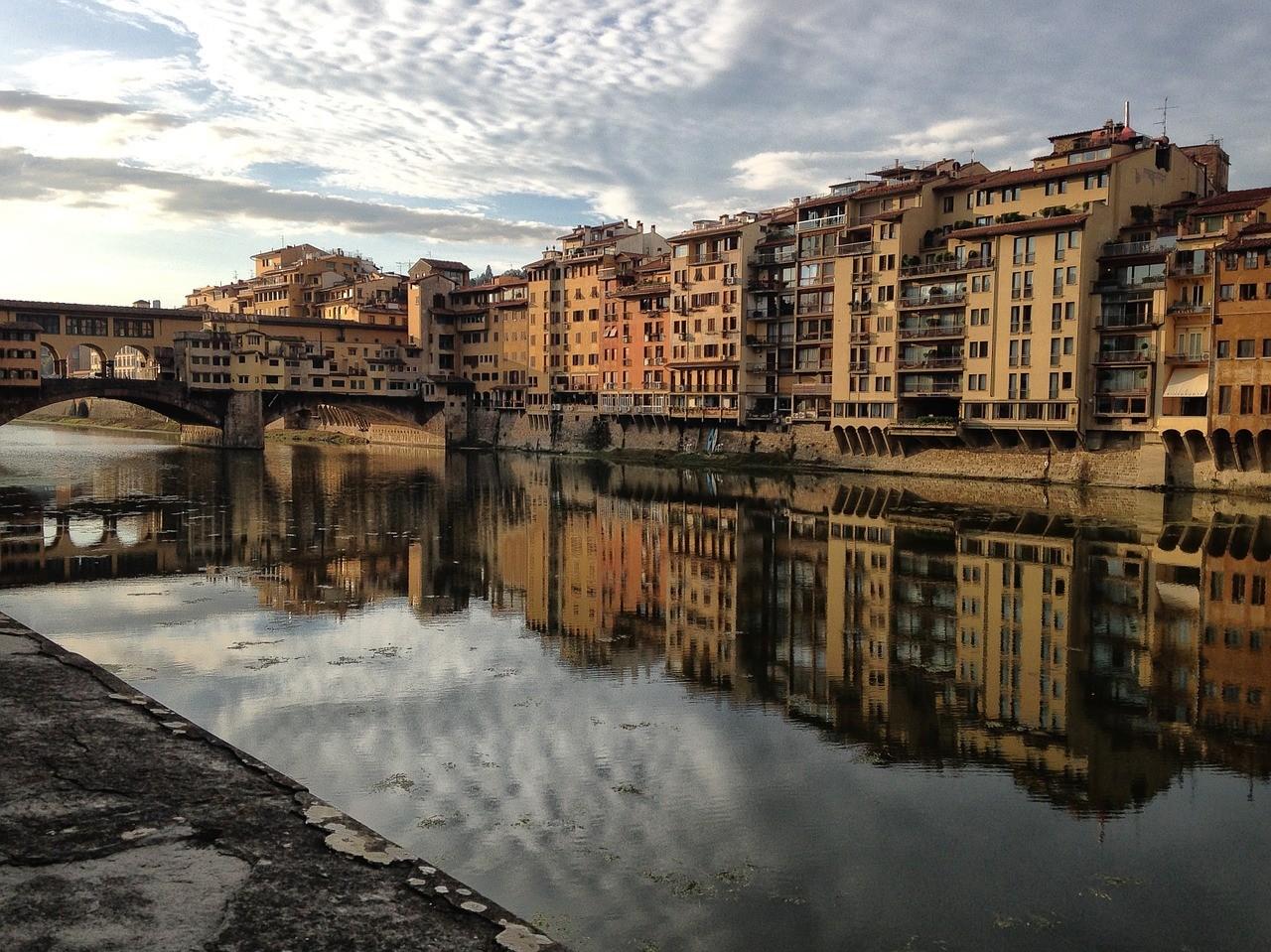 Galleria degli Uffizi e a Ponte Vecchio, ainda em Florença