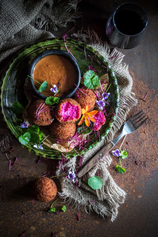 Beetroot-goat-cheese-croquettes-05.jpg