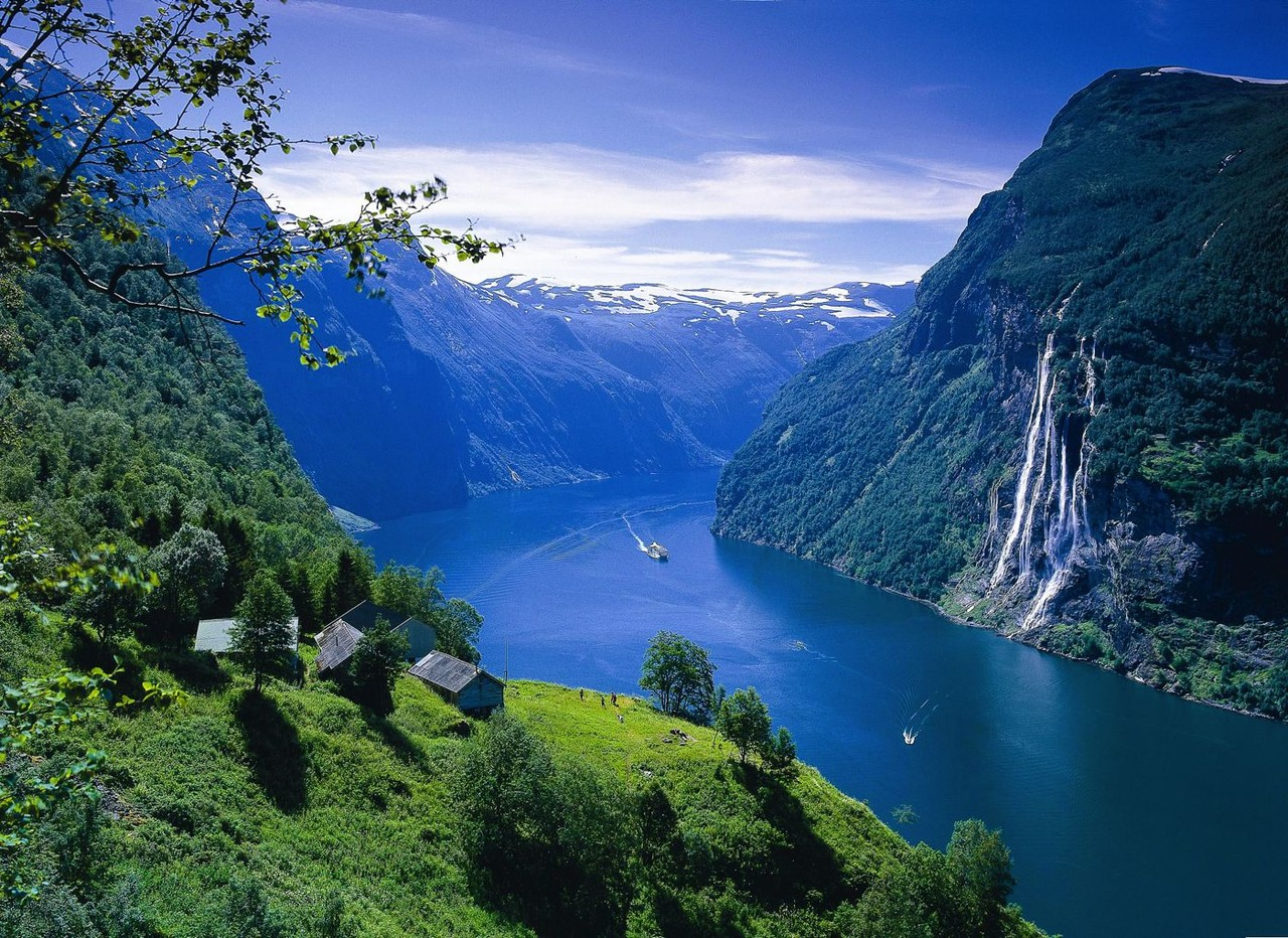 geirangerfjord-s.jpg
