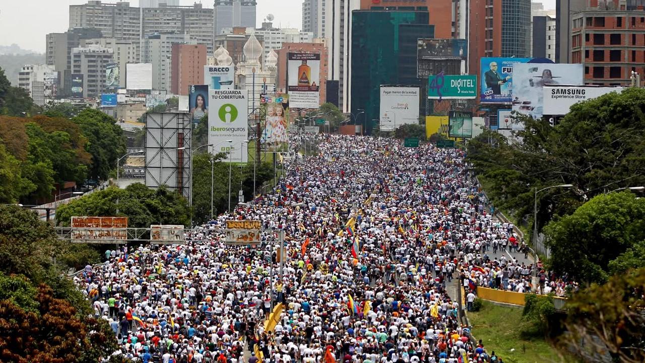 f_venezuela_crisis_170419.jpg