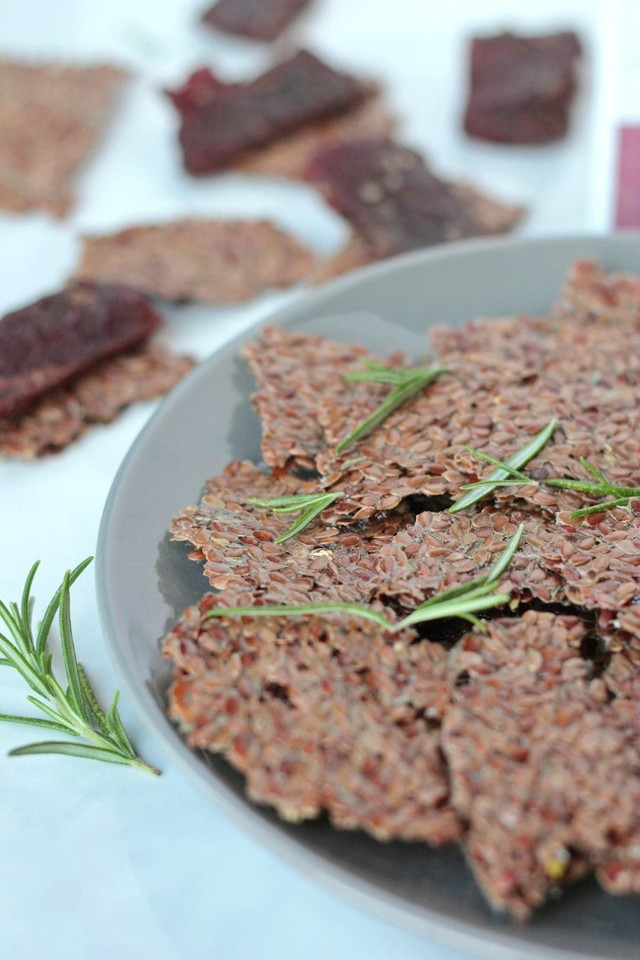 lemon-rosemary-flaxseed-crackers-1-2.jpg