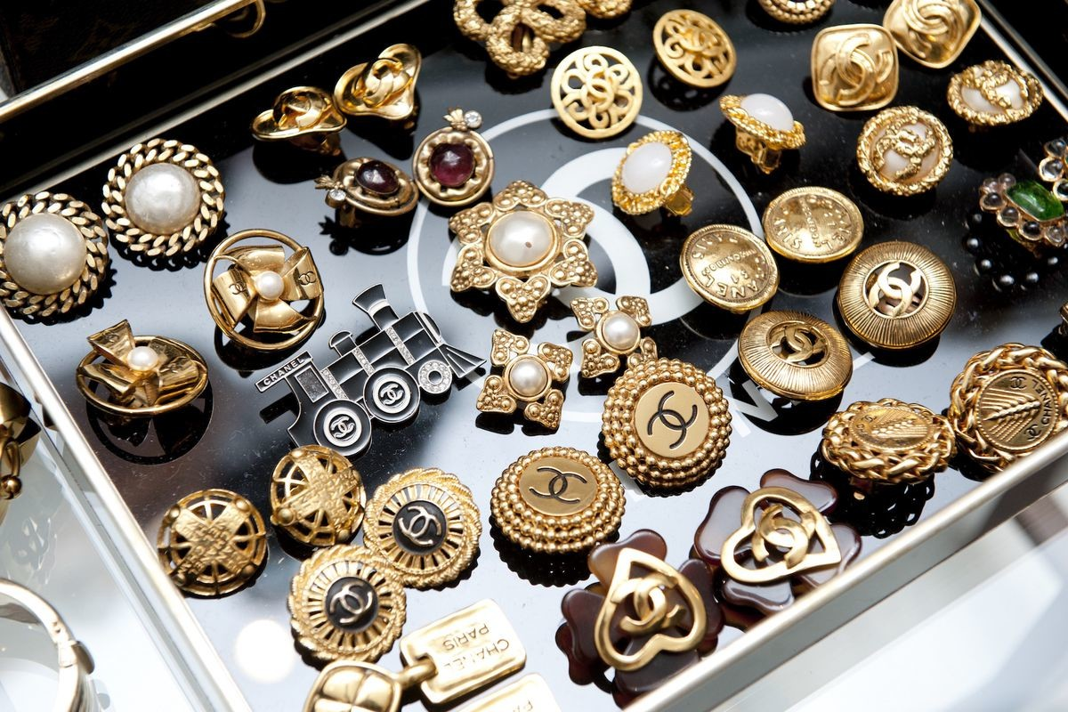 vintage_chanel_jewelry.0.jpg