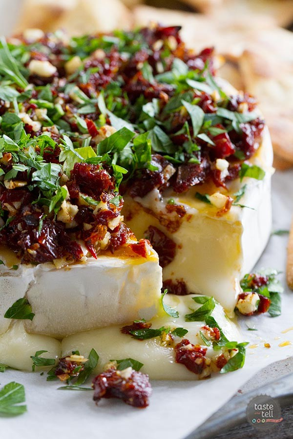 Baked-Brie-Recipe-with-Sun-Dried-Tomatoes-tasteand