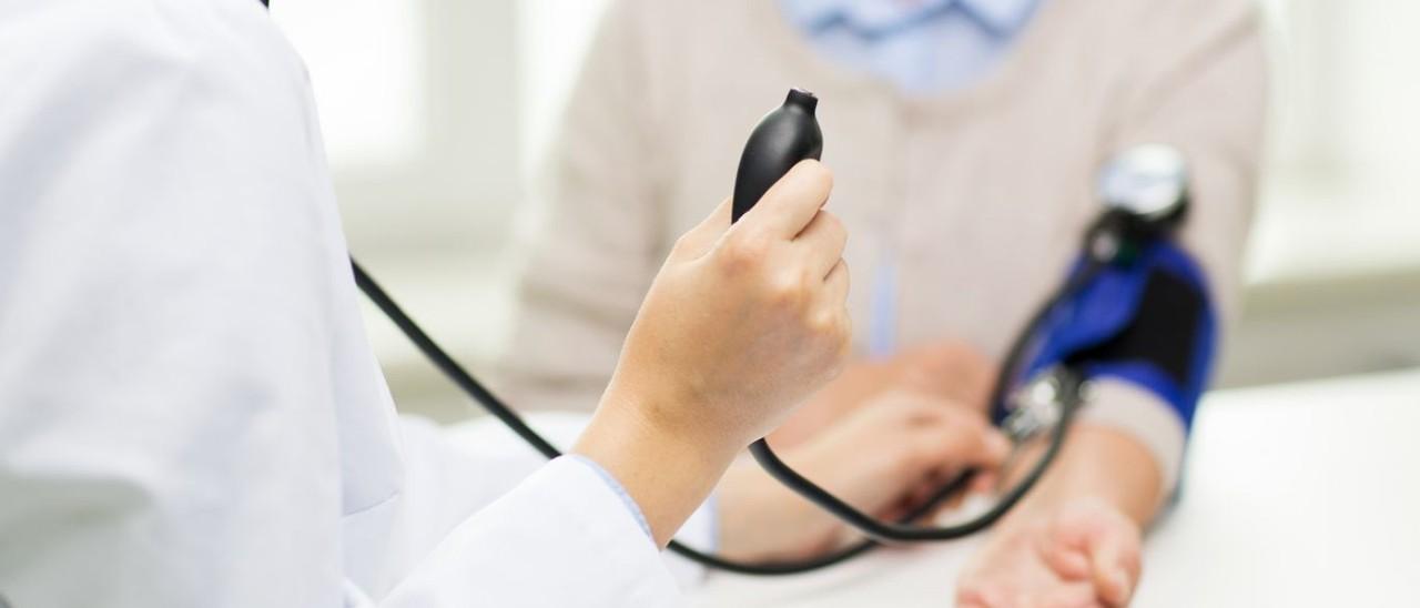 medico-em-horario-de-trabalho-condiçoes.jpg