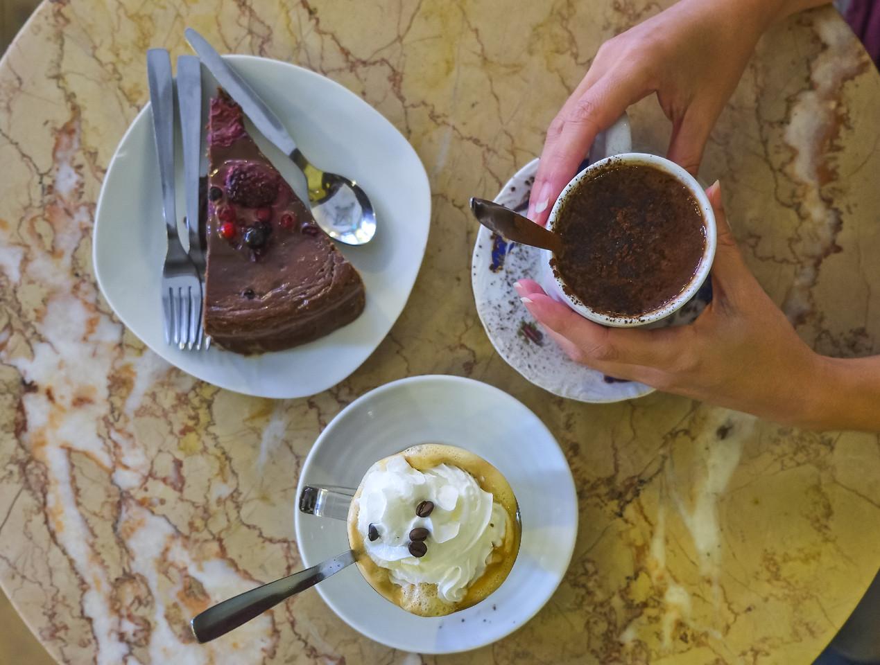 cafe saudade 4.jpg