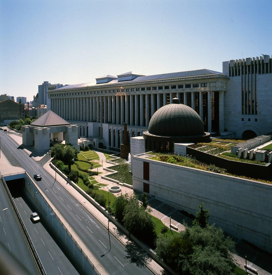 Caixa Geral dos Depósitos, Lisboa (L. Pavão, 2000)