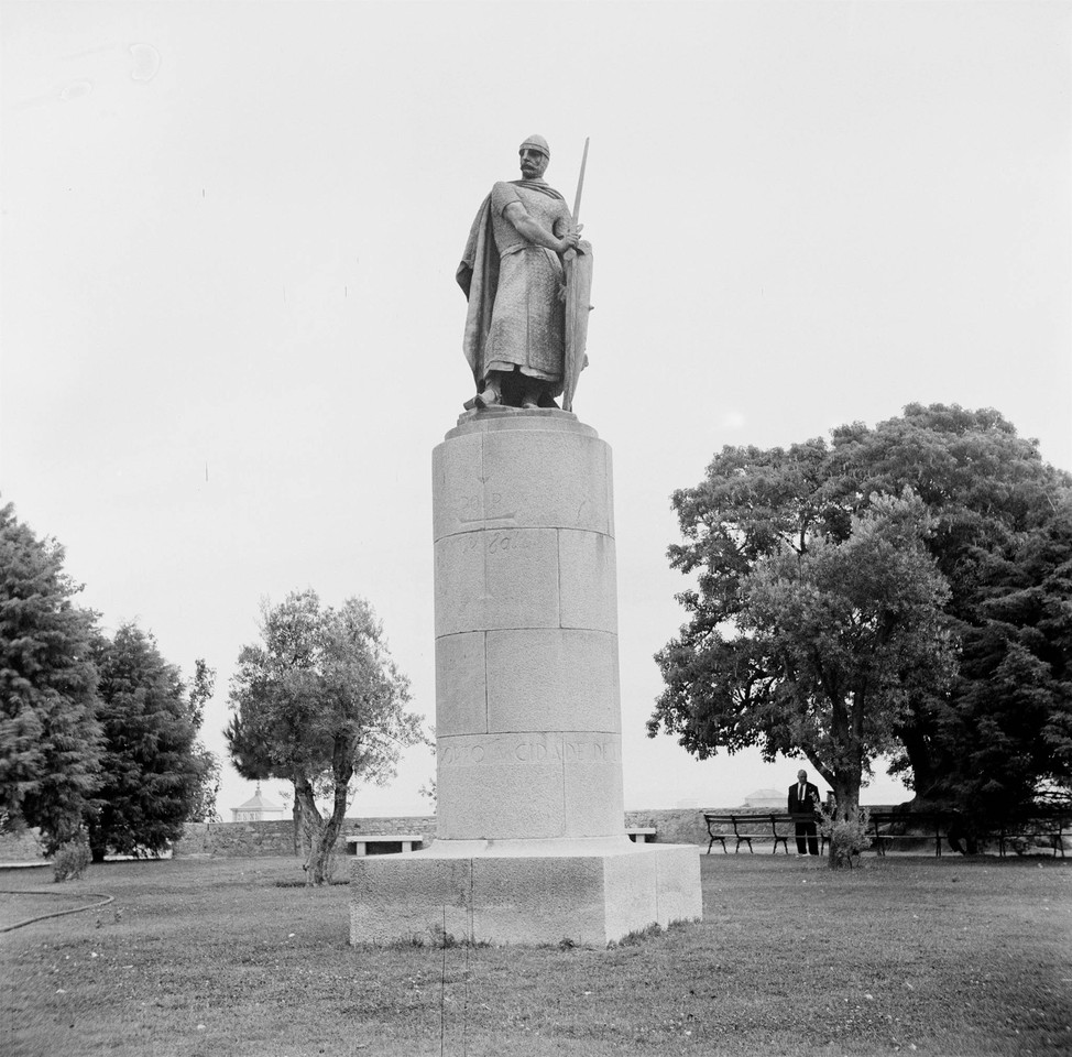 Estátua de Dom Afonso Henriques, c. 1954, foto de