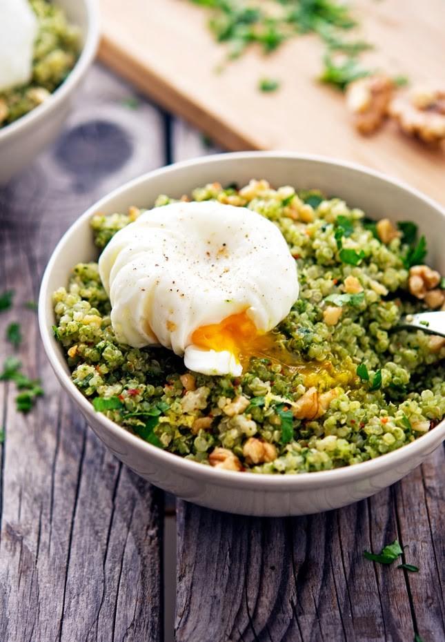 Quinoa-Kale-Pesto-Bowls-(2).jpg