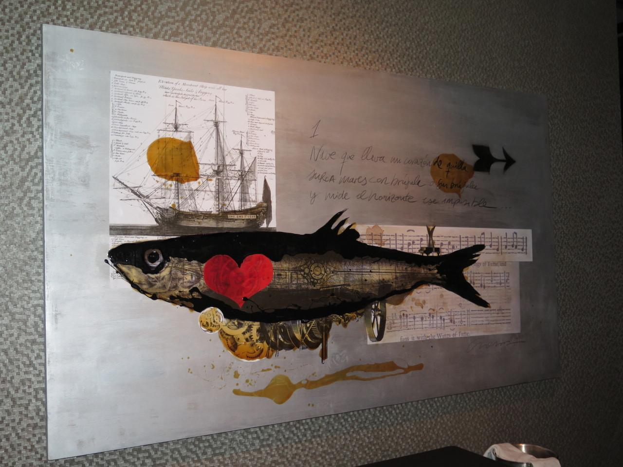 Um dos dois quadros de Juan Cardosa na sala do LAB