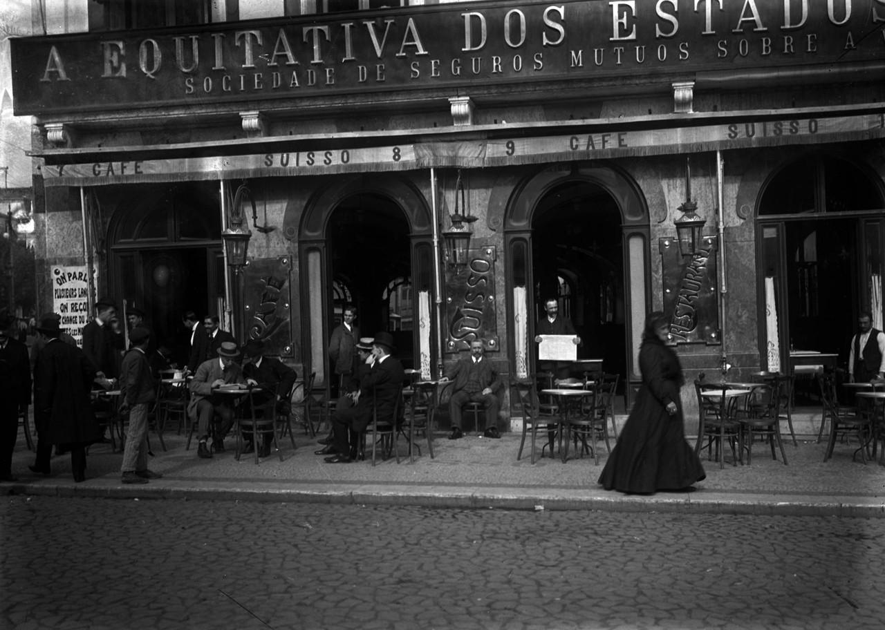 Café Suisso, c. 1910, foto de Alberto Carlos Lima