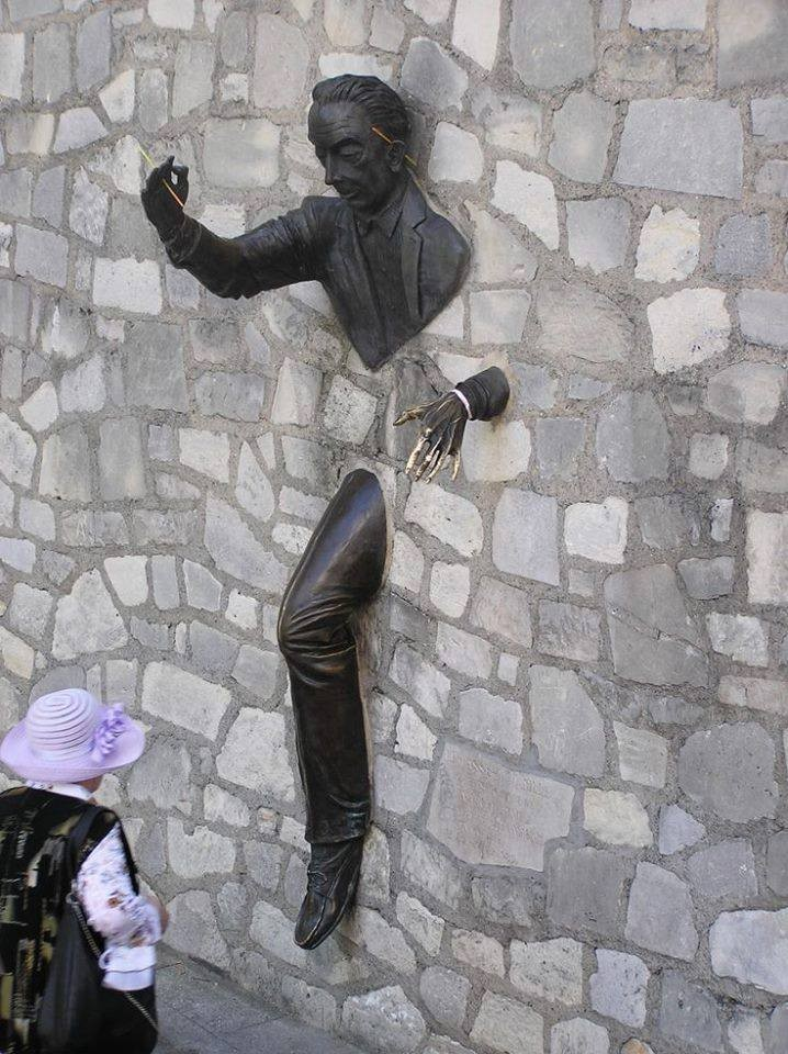 Salvador Dali Sculpture, Montmartre, Paris.jpg