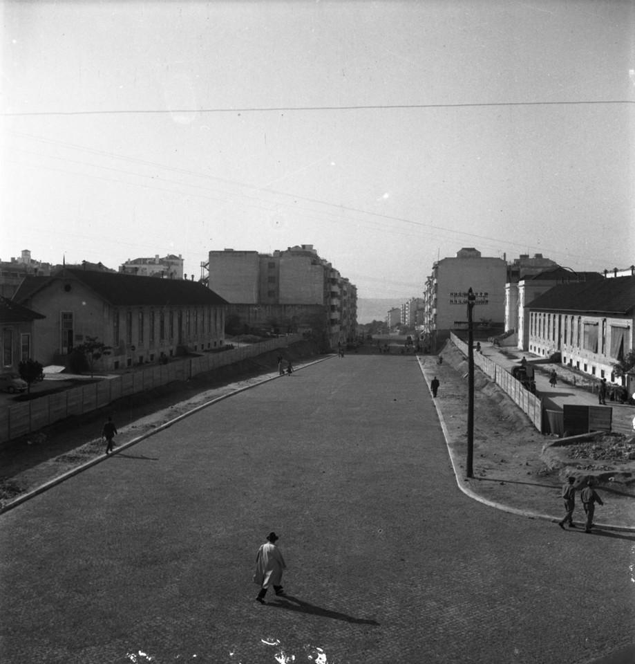 Abertura da avenida Infante Santo,  post. 1949, fo