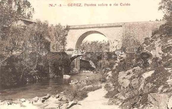 Antigas Pontes sobre o Rio Caldo