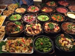 buffet-de-comida-tipica.jpg