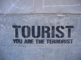 Tourist terrorist_BCN2017.jpg