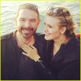 lost-maggie-grace-ties-the-knot.jpg