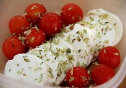 tomate cherry, queijo fresco_Põe-te na linha.jpg